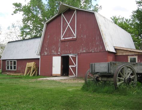 Farm Barn Quaker Quill Farm Wars The Country Of A City Student