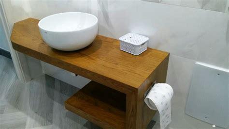 bagni in legno mobile bagno in legno stile inglese un bagno rustico in