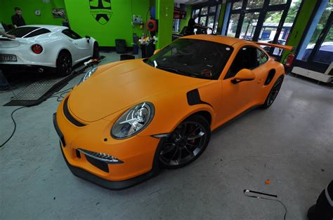 porsche gt3 rs orange 2016 porsche 911 gt3 rs gets retro look with racing orange