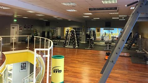 gym swindon personal trainers fitness classes simply gym