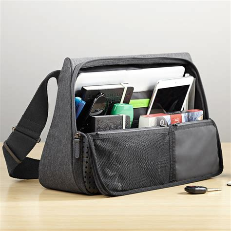 Now Even Your Laptop Can Be Stylish by The Designer Evernote S Svelte Laptop Bag Exterior