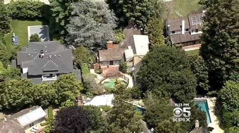 zuckerberg to demolish and replace four palo alto houses