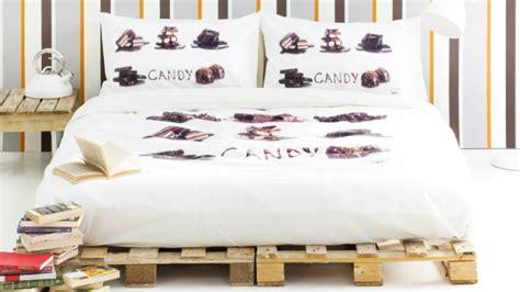 camere da letto in legno naturale westwing letti in legno eleganza calda e naturale
