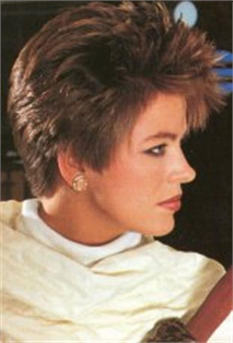 1980s bi level haircut photographs short 1980s vintage hairstyle with volume and heights