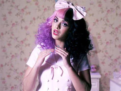 Voice Alum Melanie Martinez Releases Quot Dollhouse Quot Watch Music Video Us Weekly