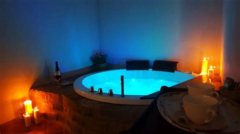 con vasca idromassaggio toscana arezzo hotel con suite con idromassaggio 2 posti e centro