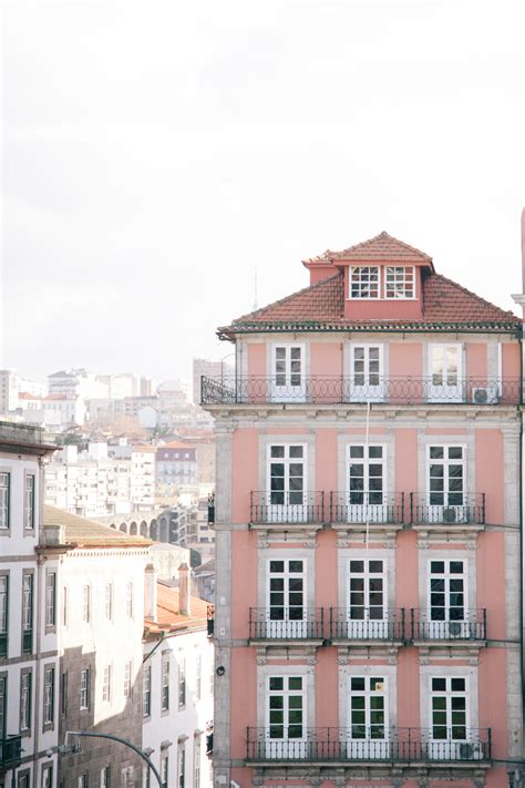 appartments in portugal pink apartments in porto portugal entouriste