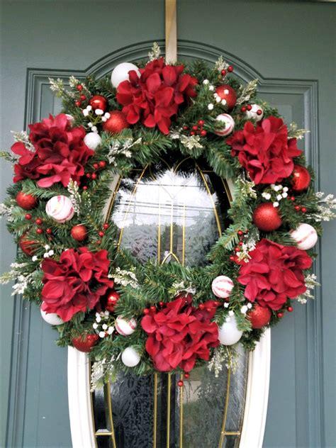 christmas wreath  front door red hydrangea christmas