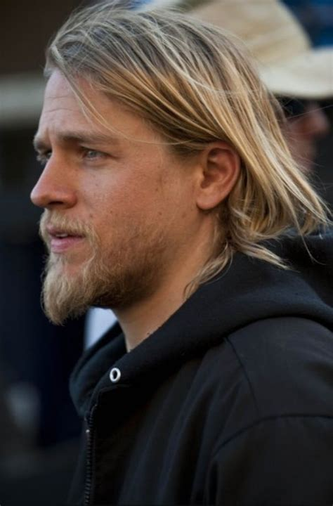 jaxs hair sons of anarchy top 25 ideas about charlie hunnam on pinterest seasons