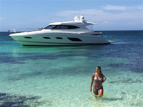 yacht spot riviera 6000 sport yacht is a 63 4 quot riviera cruiser for
