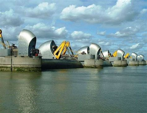 thames river flows into wordlesstech the thames barrier is keeping london safe
