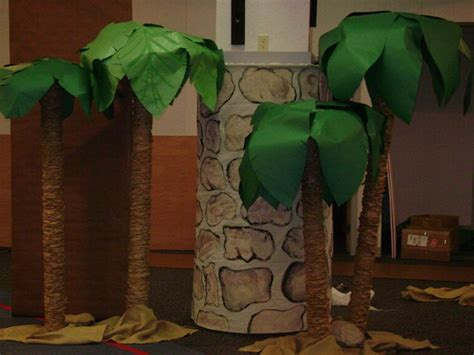 How To Make Paper Palm Leaves - how to make a palm tree 171 the skit guys