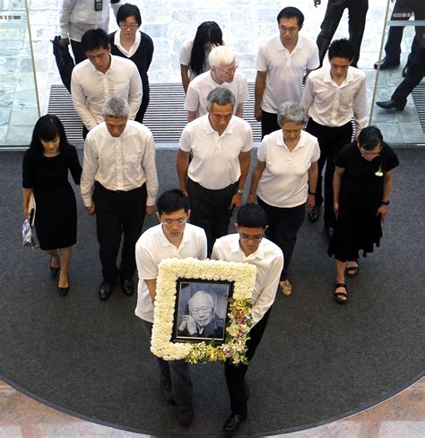 Lee Hsien Loong Fathers State Funeral Will Be A Moment | singapore says final farewell to its founding father lee