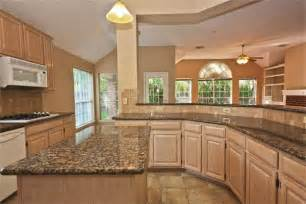 Tile Backsplash For Kitchens With Granite Countertops Kitchens With Pickled Oak Cabinets Amy Http Abadcrafter