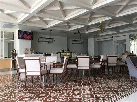 agoda novotel gajah mada maxonehotels glodok jakarta indonesia review hotel