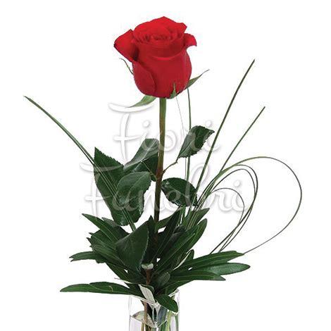 fiori rosse rosse numero preciso consegna composizioni funebri a
