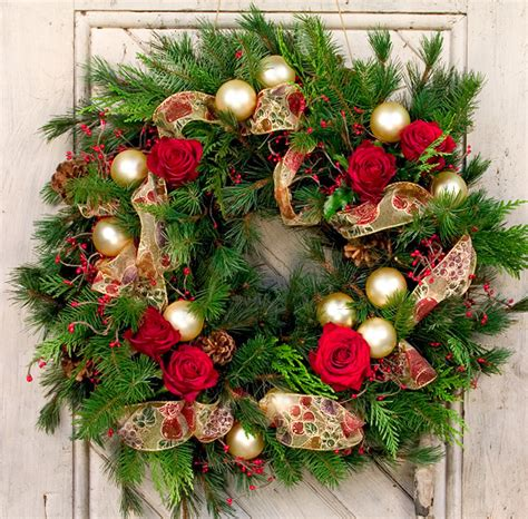 holiday wreath christmas wreaths