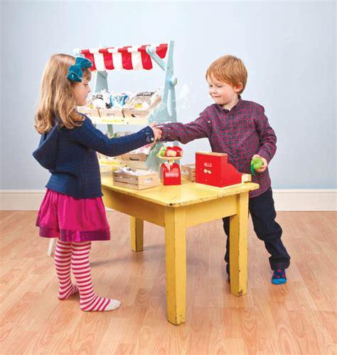 Tiny House Company le toy van honeybake cash register