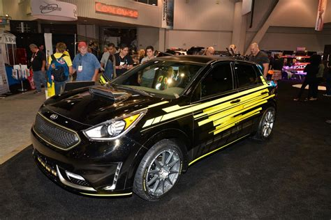 kia hits las vegas with array of custom concepts carscoops