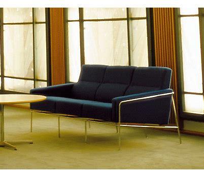 design within reach raleigh sofa raleigh sofa dwr brokeasshome com