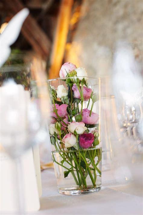 Tischdeko Blumen Im Glas by Tischdeko Hochzeit Viele Kleine Im Glas Sind
