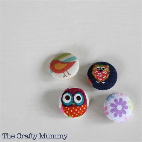 Upholstery Buttons To Cover by How To Cover A Button The Crafty Mummy