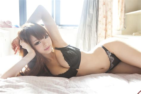 what are chinese women like in bed women hands on head asian in bed looking at