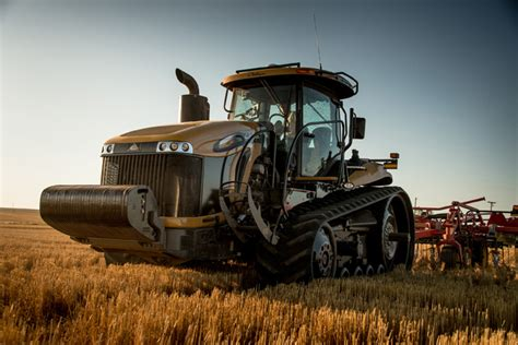 challenger farm equipment challenger launches mt800e series track tractors 2013 09