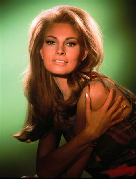 raquel welch young it s the pictures that got small the monday glamour 15