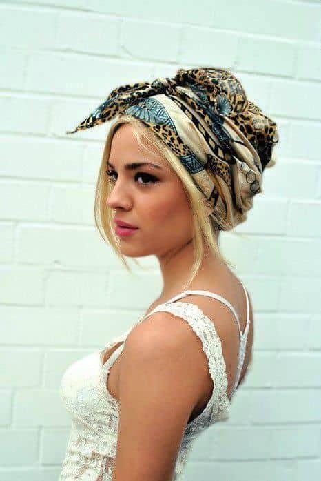 in testa turbante foulard in testa tendenza capelli estate op