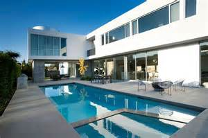 california architects white stucco modern house in venice california by dennis