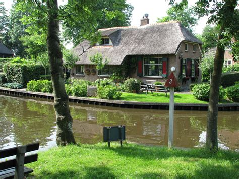Pictures Of Pretty Houses by File Pretty House In Giethoorn Jpg Wikimedia Commons