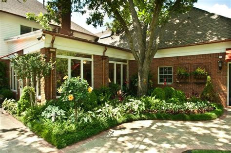 Southern Landscaping Ideas Southern Charm Traditional Landscape Nashville By Gurley S Azalea Garden
