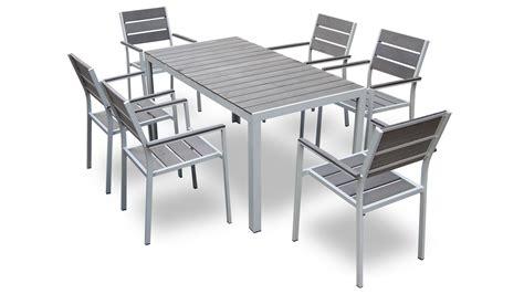 table et chaise de jardin promo les cabanes de jardin