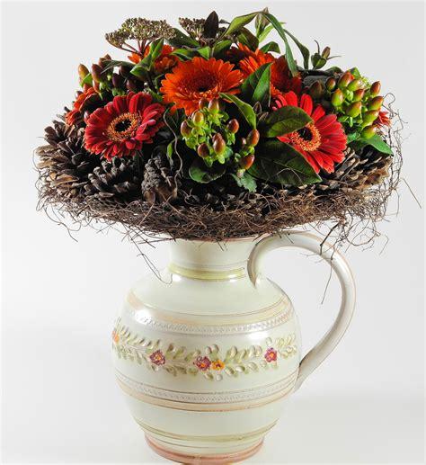 flower arrangement styles flowers to suit different d 233 cor flower pressflower press