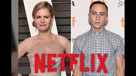actor atypical netflix best new teen tv shows high school drama 2017 list tv