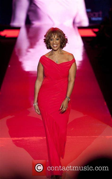 Gayle King Wardrobe by Picture Gayle King And Donna At New York Fashion