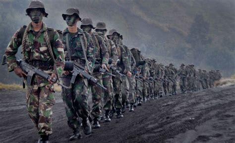 pengamat militer indonesia  terapkan program wajib