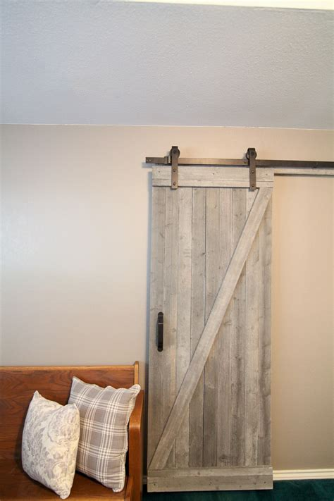 Diy Sliding Barn Door 21 Diy Barn Door Projects For An Easy Home Transformation