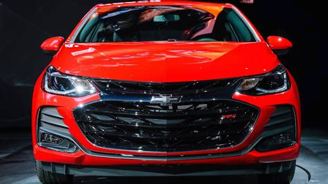 chevy cruze rs hatchback   chevy