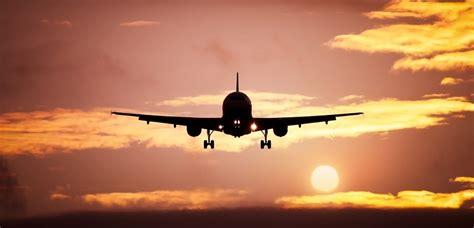 Photo Op Flying At by Letadlo Se 122 Lidmi Na Palubě Se Zř 237 Tilo Pobl 237 ž Barmy Do