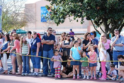 theme park queue times things to do while queuing at orlando theme parks