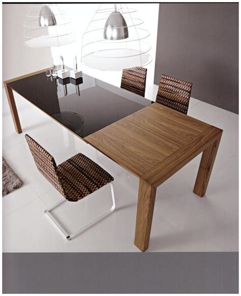 foto tavoli in legno foto tavolo in legno con il piano in vetro e parte