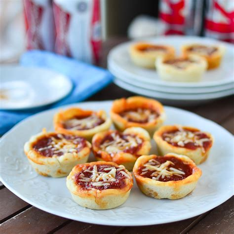 deep dish pepperoni pizza cups