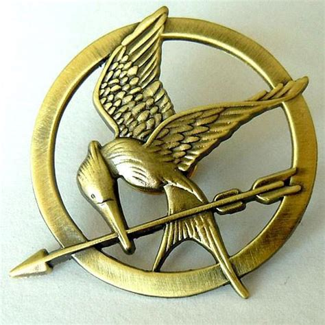 How To Make A Mockingjay Pin Out Of Paper - hunger mockingjay pin philippines abubot ph