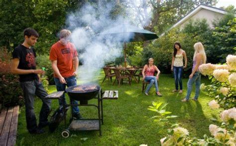 organizzare il giardino simple come organizzare una grigliata in giardino with