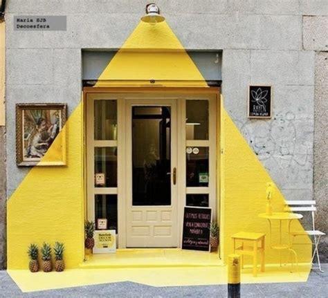 desain depan rumah pintu sing pintu depan yang unik ini memberikan image berbeda dari