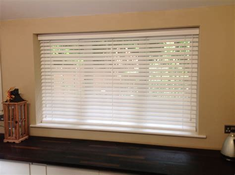 Kitchen Blinds Venetian Awesome Large Glass Window With Horizontal Venetian Blinds