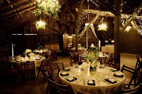 Tips on Barn Decorating for the Wedding Reception