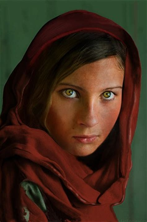 """the afghan girl"" : digital photography review"